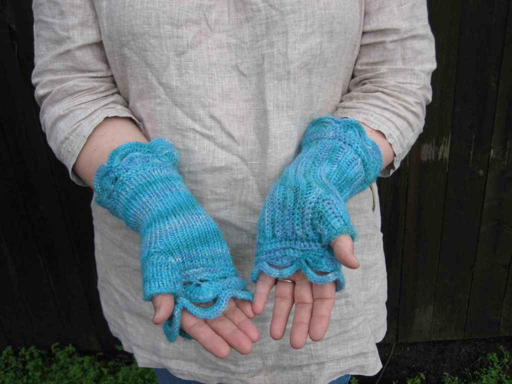 Half Moon MItts knitted and crochetted