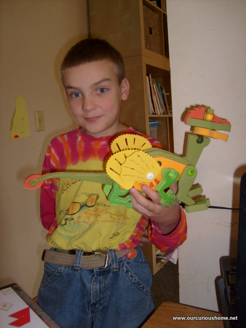 M made a (dragon?) out of various Bloco sets