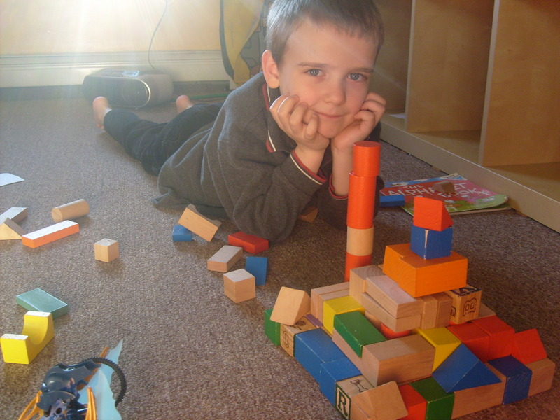 M with his block pyramid - including thief trap